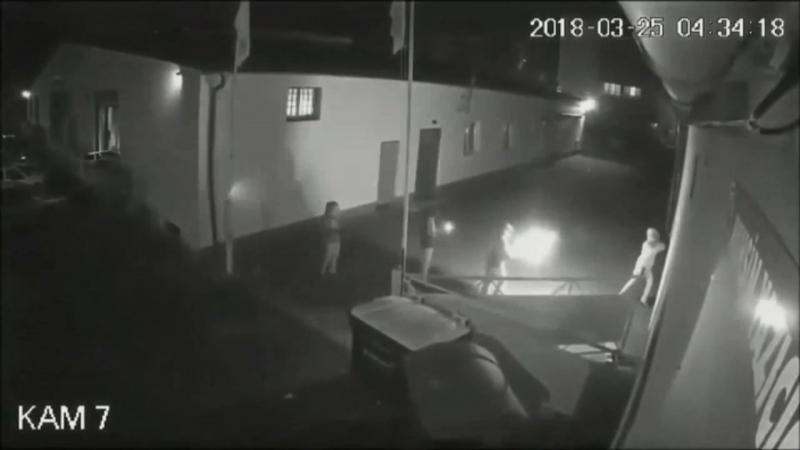 Überwachungskamera Webcam zeigt Brandanschlag auf Moschee in Kassel 25 03 18 Täter ANTIFA