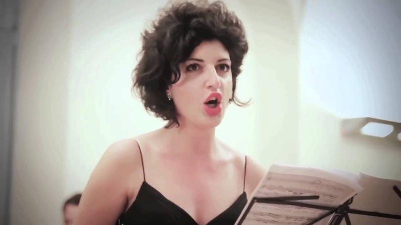 Stefania Vietri - Agitata da due venti