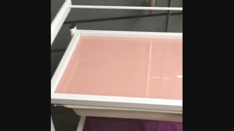 Тележка со стеклянными полками