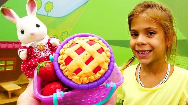 Okul öncesi oyunlar. Sylvanian Families tavşan pasta yapıyor
