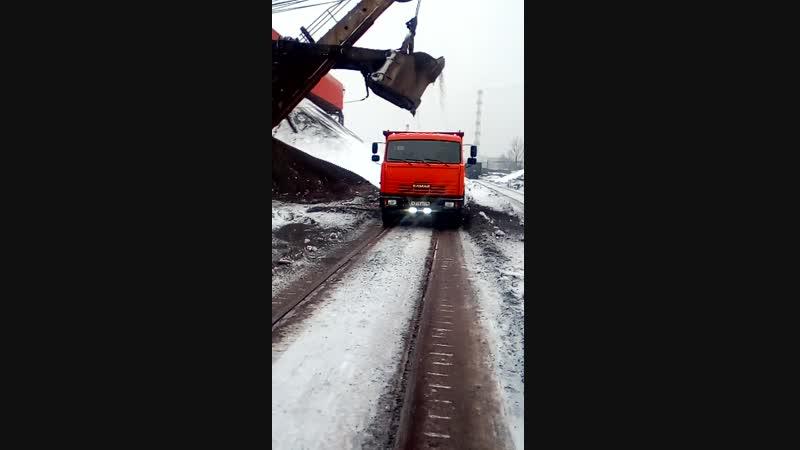 Погрузка щебени в Железногорске