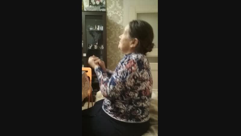 баба Зоя у т.Тани на юбилее