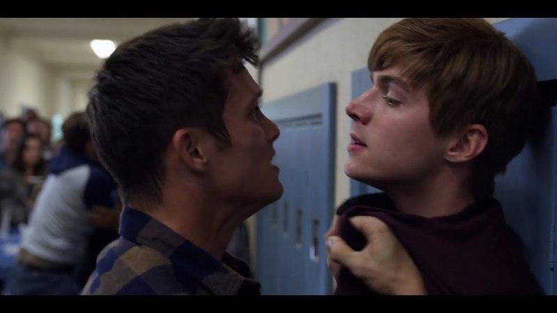 13 Reasons Why 2x11 - School Fight Scene (1080p)