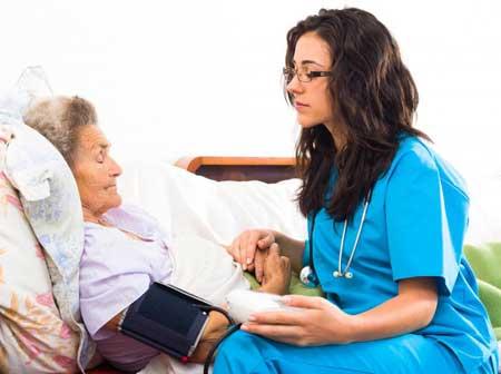 Связь между сестринским делом и социологией основана на развитии навыков, которые могут позволить медсестрам оказывать более качественную помощь пациентам.