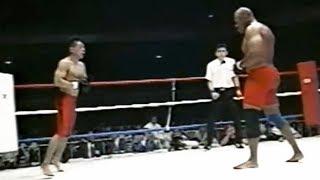 Боец 65 кг против гиганта 120 кг Потерял зрение но продолжил бой