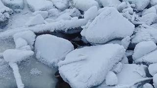 Метеорит. Громадный метеорит перекрыл русло ре Бурея в Хабаровском крае Буреинский метеорит или НЛО?