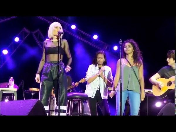 Top 10 Singers Surprised by Fans Singing Skills no2