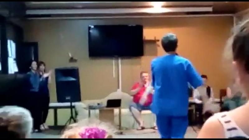 Кабардинский танец.исполняют медбрат Мурат и Лариса,оганизатор