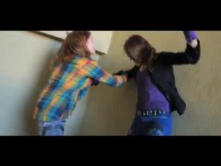 Girl vs Girl Urban Fight Scene - YouTube