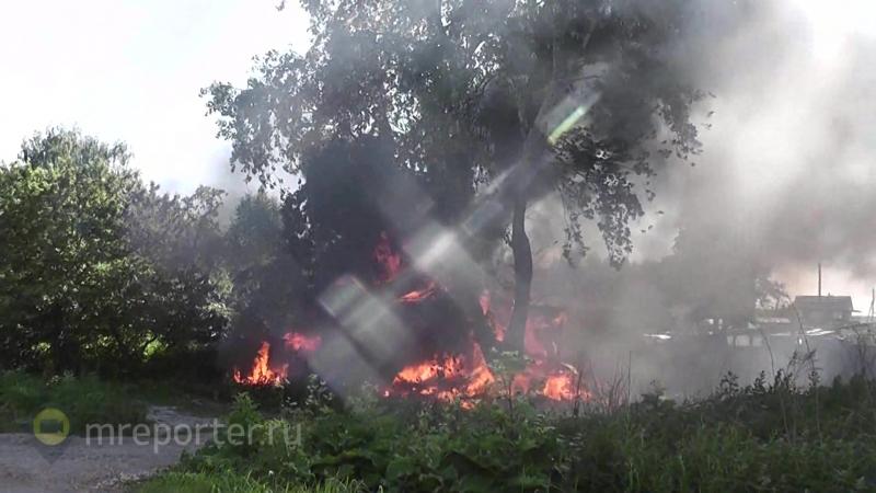 Баня и шиномонтаж сгорели в Домодедове