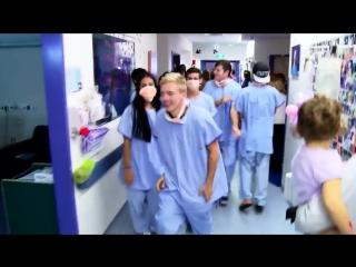 Танец врачей для больных детей!
