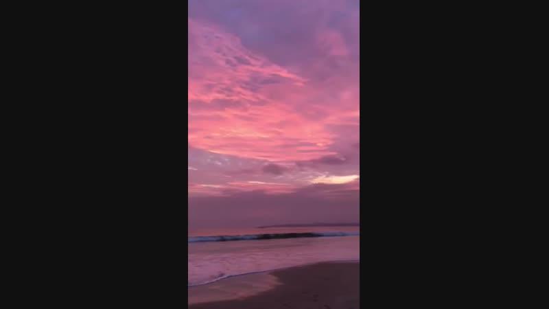 Фиолетовый закат Шри Ланка