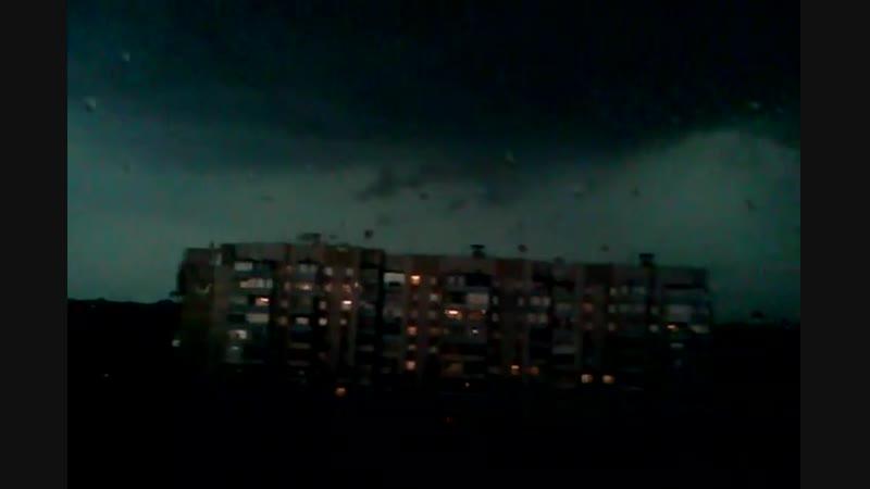 Жуткая гроза в Донецке Украина 15 июня 2012
