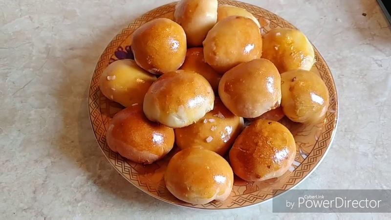 Дрожжевые пирожки с молодой капустой, яйцами и зеленым луком /Дріжджові пиріжки з молодою капустою, яйцями і зеленою цибулею