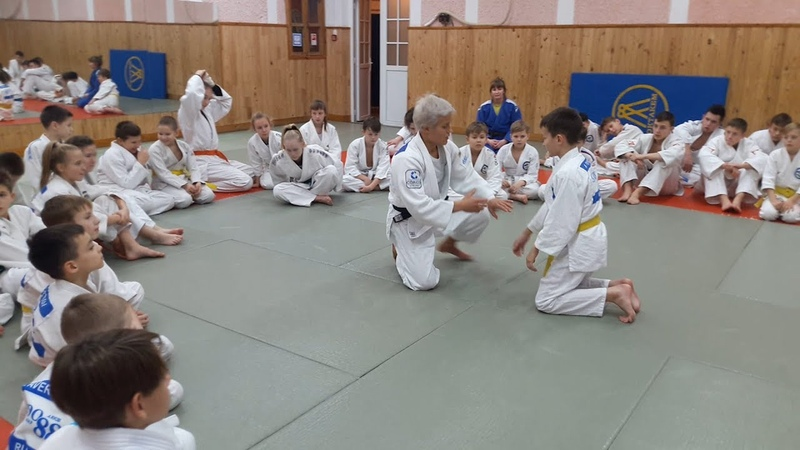 Призер Олимпиады дала мастер класс юным дзюдоистам