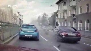 ДТП Екатеринбург ул. Бакинских Комиссаров 05.06.18 мотобат ГИБДД