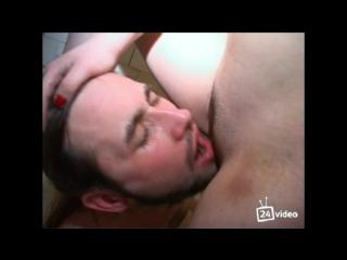 Смотреть порно видео девушка жестоко унижает парня ссыт ему в рот фемдом femdom