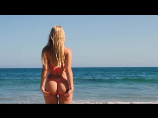Micro Gigis New Micro Thong G-String Bikini Sexy Photoshoot in Malibu