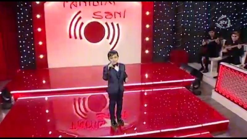 Азер мальчик поёт