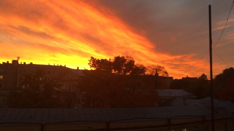 Пламенное небо на закате