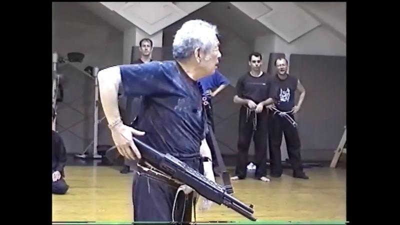 Soke Masaaki Hatsumi shows defence about gun Bujinka Ninpo