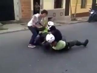 Китайский мотобат... жесток и безпощаден.