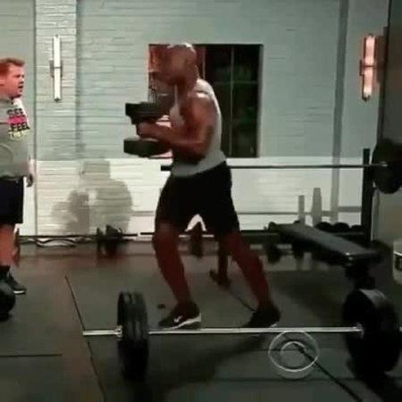 Терри Крюс - гора мышц и позитива (x5)
