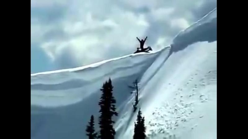 восхождение на снегоходе