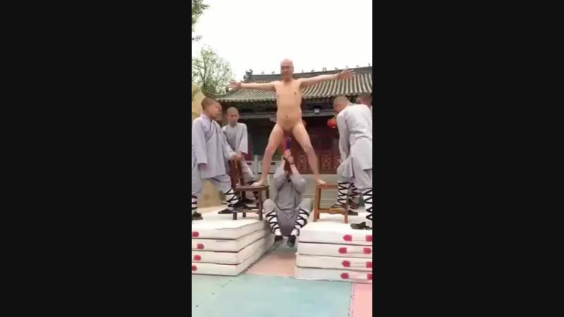 Шаолиньская тренировка. Видео прикол