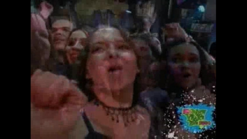 Simple Plan - Where Is The Love (Live @ MTV's New Years Eve 2004)
