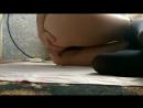Шалунья Показывает киску и попку в трусиках