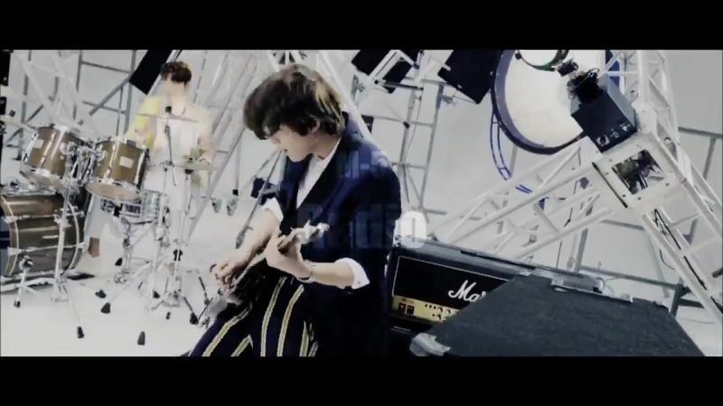 CNBLUE 初ベストアルバムBEST of CNBLUE OUR BOOK収録曲についてジョンヒョンミンヒョクジョンシンが語るスペシャルビデオコメンタリー第4弾本日ジョンシンが初