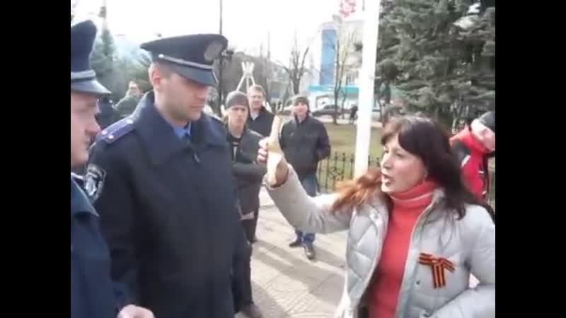 Луганск 9 марта 2014 Майдановцы у памятника Шевченко
