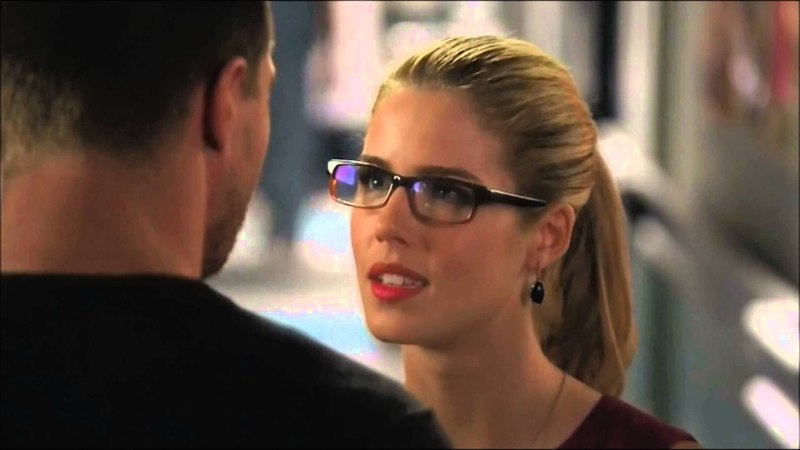 Oliver and Felicity First Kiss