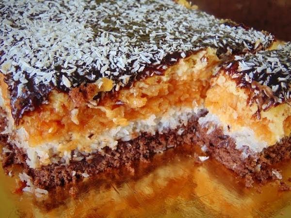 Варшавский пляцок с кокосовой и яблочной начинками, шоколадной глазурью / Варшавський яблучник. Ексклюзивний рецепт пляцка, який підірвав інтернет