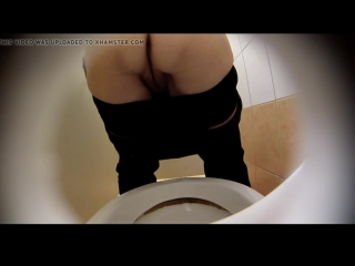 estrangeiro_hidden_cam_hd_piss_in_toilet_part13_720p