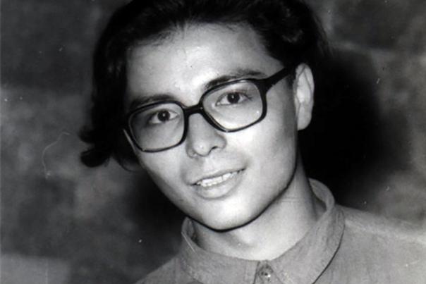 past Мурат Насыров. Мура́т Исмаи́лович Насы́ров (13 декабря 1969, Алма-Ата - 19 января 2007, Москва) - советский, казахстанский и российский эстрадный певец, автор песен. Биография. Родился в