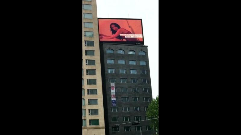 5월 17일은 지하철 7호선 청담 역 13번 출구로 나오고 곧장 도보로 약 5분 걸호텔 리베라의 전부터 UNI.T의 광고가 보입니다!! - - 유니티 UNI_T