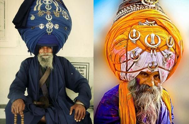 Акали (это название переводится как «бессмертные» вооруженный орден, который боролся за чистоту веры. Он возник на северо-западе Индии в XVII веке в среде радикальных сикхов-священников, которые