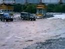 Неудачная переправа через реку на авто