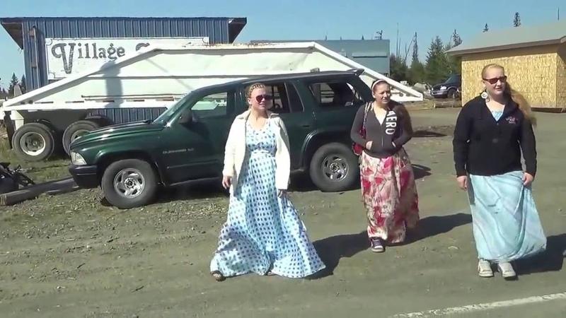 264 США Аляска Николаевск Деревня староверов с Ниной Фефеловой Кладбище староверов