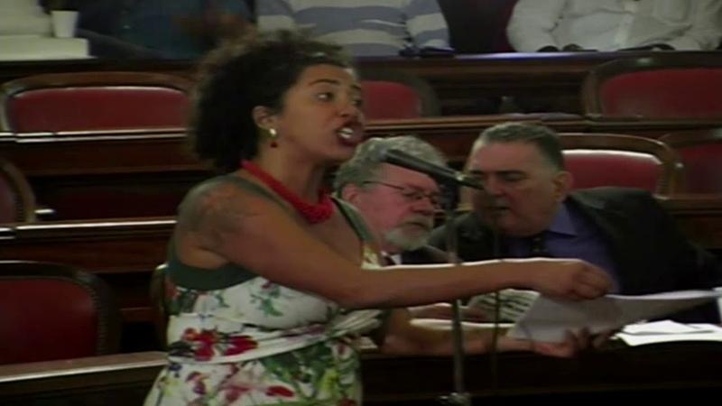 VEREADORA DO PSOL DEFENDE ARTISTA QUE TRATA A MULHER COMO OBJETO E BANDIDO COMO VÍTIMA