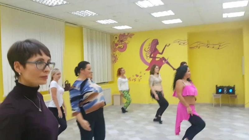 Открытый урок по восточным танцам в Центре Очарование ! » Freewka.com - Смотреть онлайн в хорощем качестве