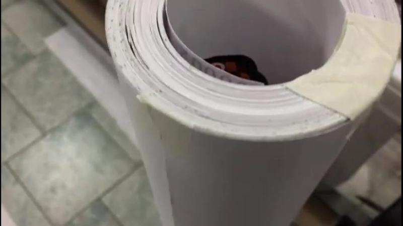Вот такой рулон только что отпечатали и порезали. Здесь полный каталог по одному наименованию. Цена 12783р за 642 наклейки.
