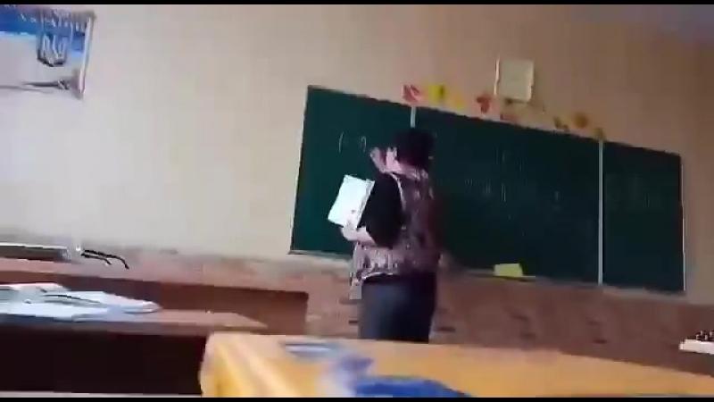 Учитель_школы_в_г_Васильков_ругается