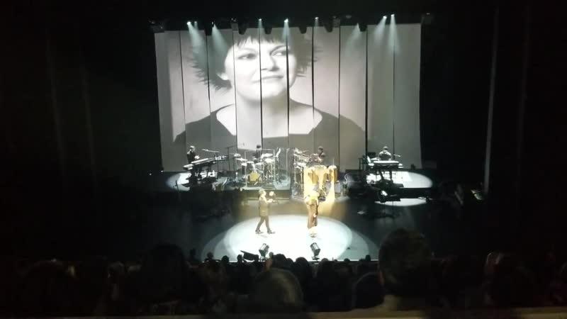 Lara FabianTu es mon autre avec George Perris - Live Montréal 2018-10-12