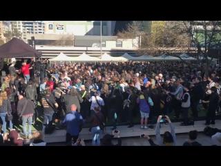Sydney Guitar Festival Highway to Hell World Record (гитаристы одновременно играют сыграли «Highway to Hell» группы AC/DC)