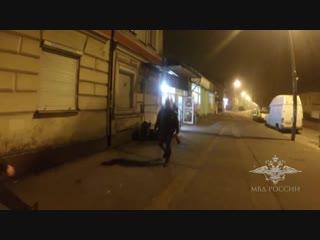 Полиция провела ночной рейд по магазинам.mp4