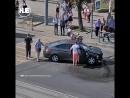 В Калининграде два водителя не поделили перекресток