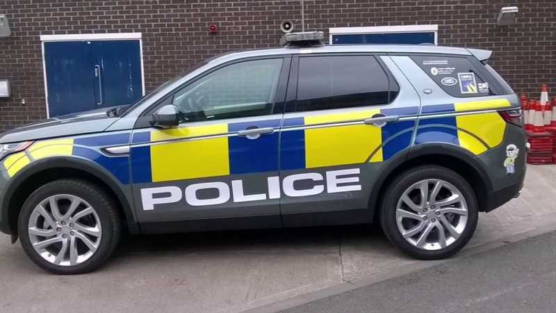Land rover discovery police cars